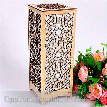 đèn ngủ bằng gỗ trang trí hoa văn somi