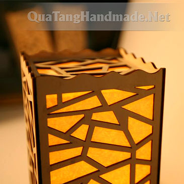 Đèn ngủ bằng gỗ hoa văn Pota