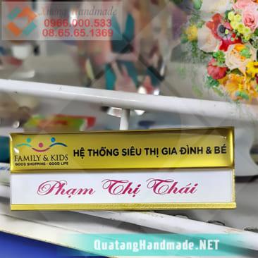 Làm thẻ tên nhân viên tại Hà Nội