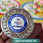 in huy chương ở Hà Nội
