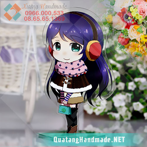 standee bằng mica