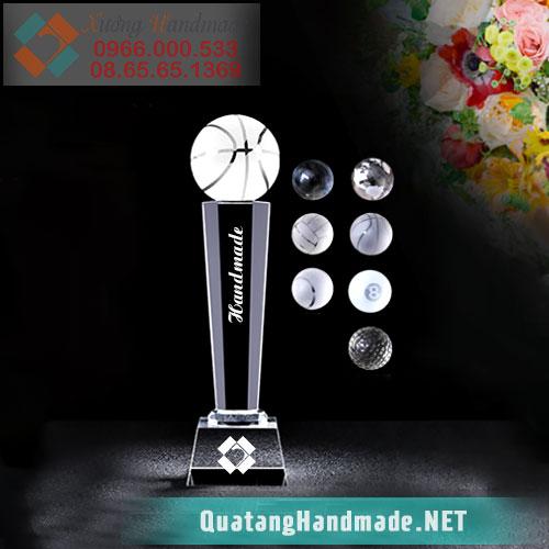 Cúp pha lê trao tặng các giải thể thao
