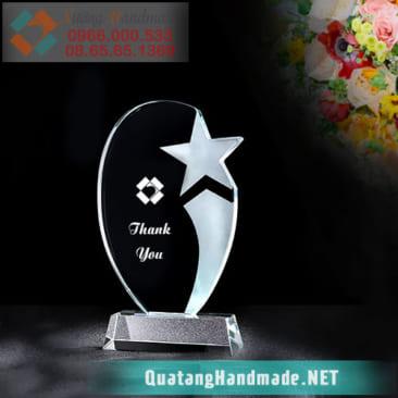Kỷ niệm chương pha lê Hà Nội